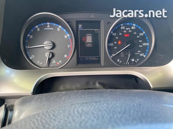 Toyota RAV4 2,5L 2017-5