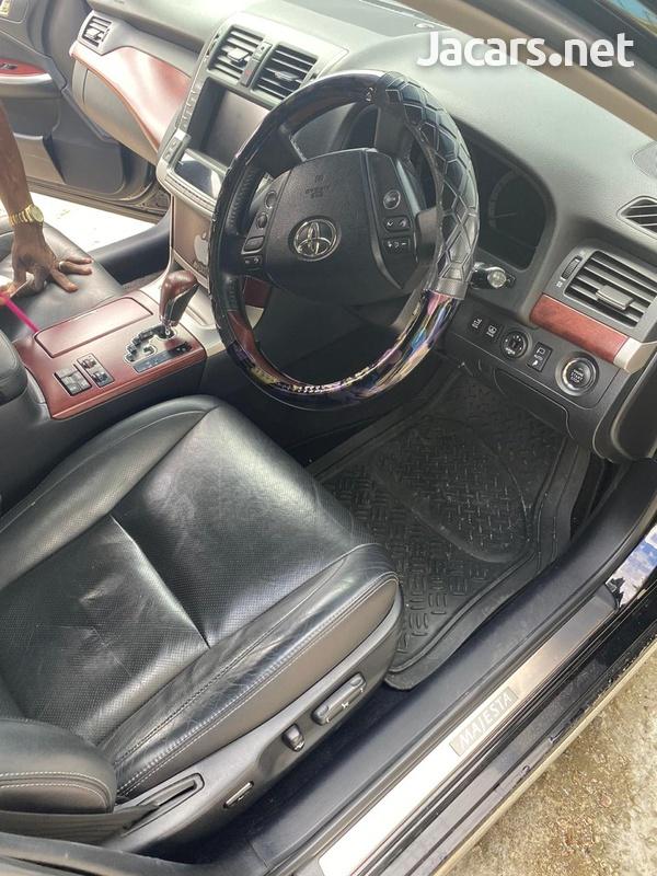 Toyota Crown 4,6L 2012-2