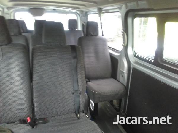 Nissan Caravan 2,0L 2013-5