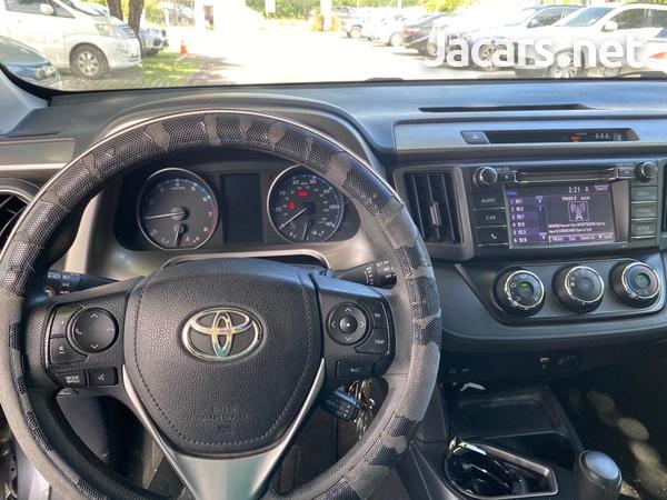 Toyota RAV4 2,5L 2017-3