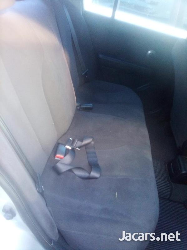 Nissan Tiida 1,6L 2012-5