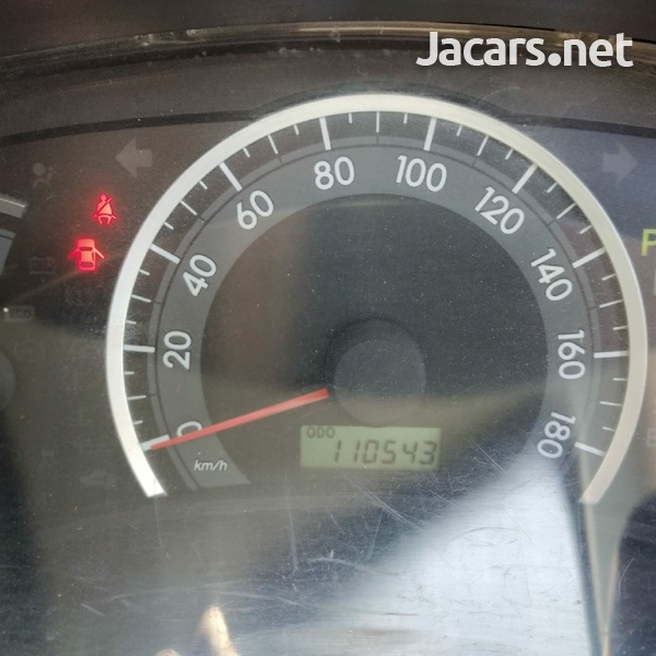 Toyota Isis 1,9L 2014-7