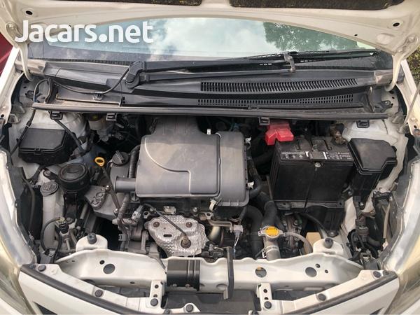 Toyota Vitz 1,5L 2011-8
