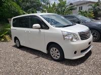 Toyota Noah 1,8L 2013