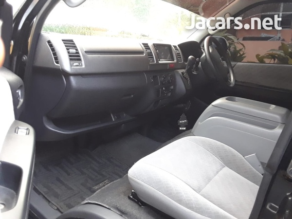 Toyota Hiace 2,5L 2009-9