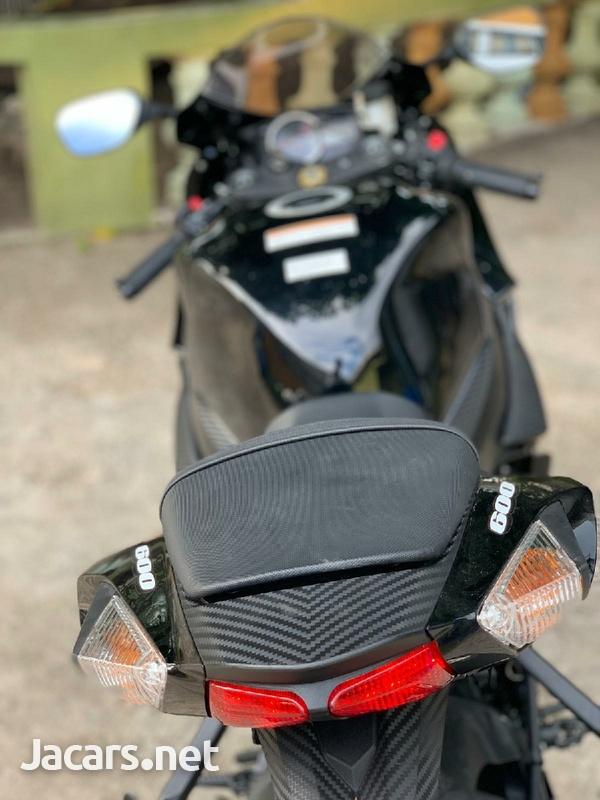 2019 suzuki gsxr Bike-8