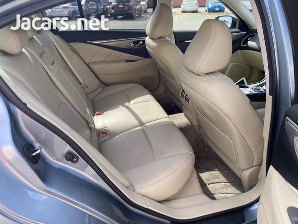 Nissan Skyline 3,5L 2016-4