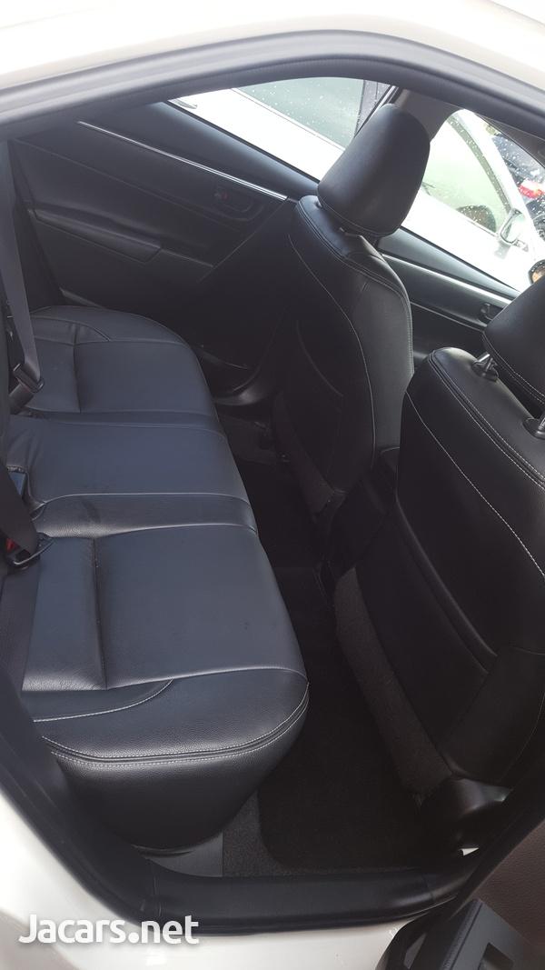 Toyota Corolla Altis 1,5L 2014-7