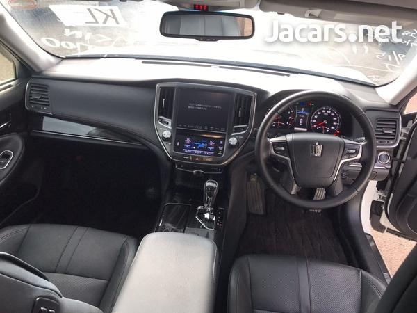 Toyota Crown 3,5L 2016-5