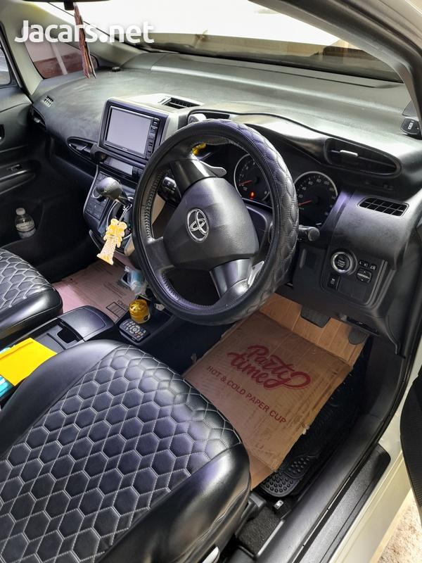 Toyota Wish 1,8L 2013-10