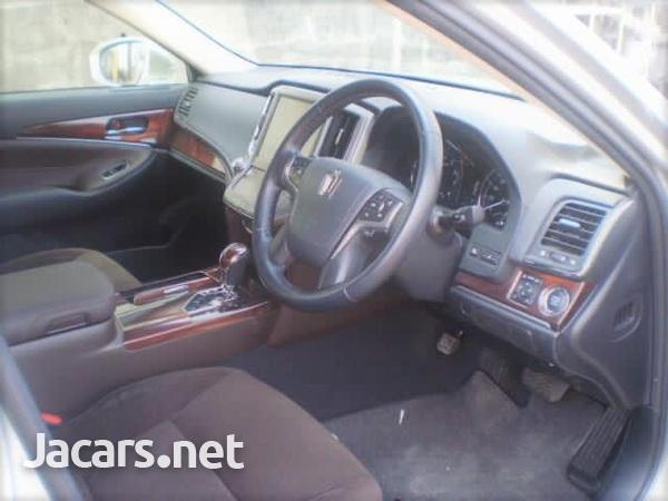 Toyota Crown 1,2L 2014-6