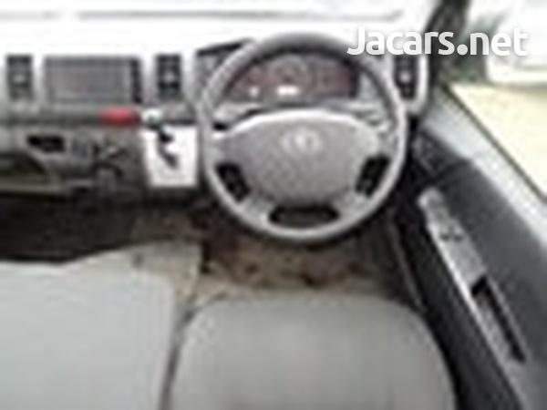 2015 Toyota Hiace Bus-9