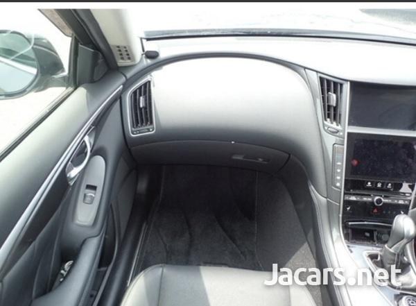 Nissan Skyline 2,0L 2015-6