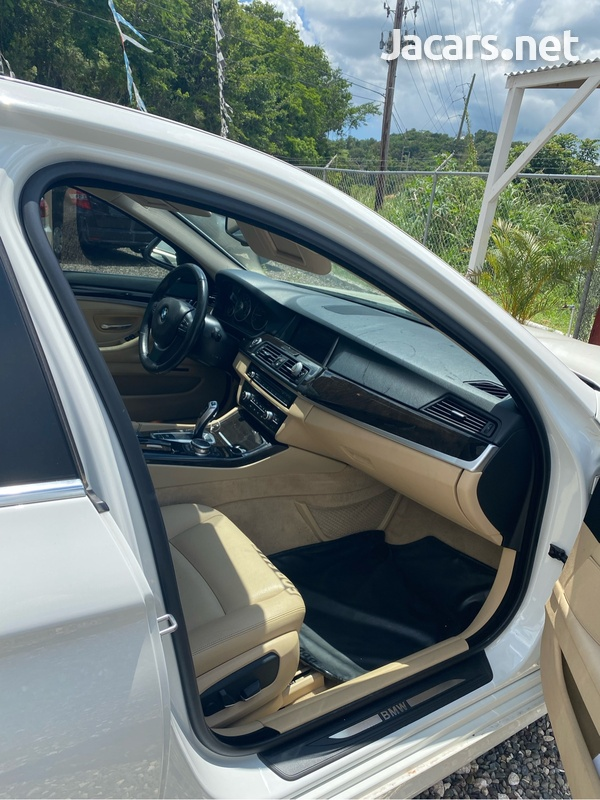 BMW 5-Series 2,5L 2015-5