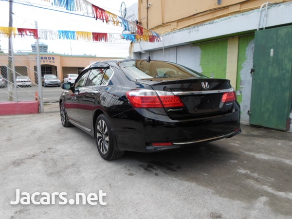 Honda Accord 2,0L 2014-3