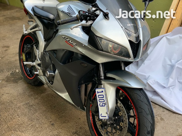 2008 CBR 600 with papers