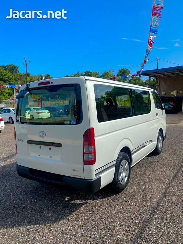 Toyota Hiace 2,5L 2012-4
