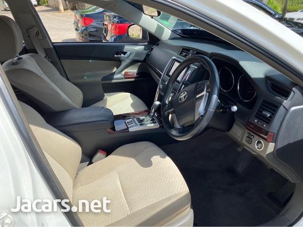 Toyota Mark X 2,5L 2010-6