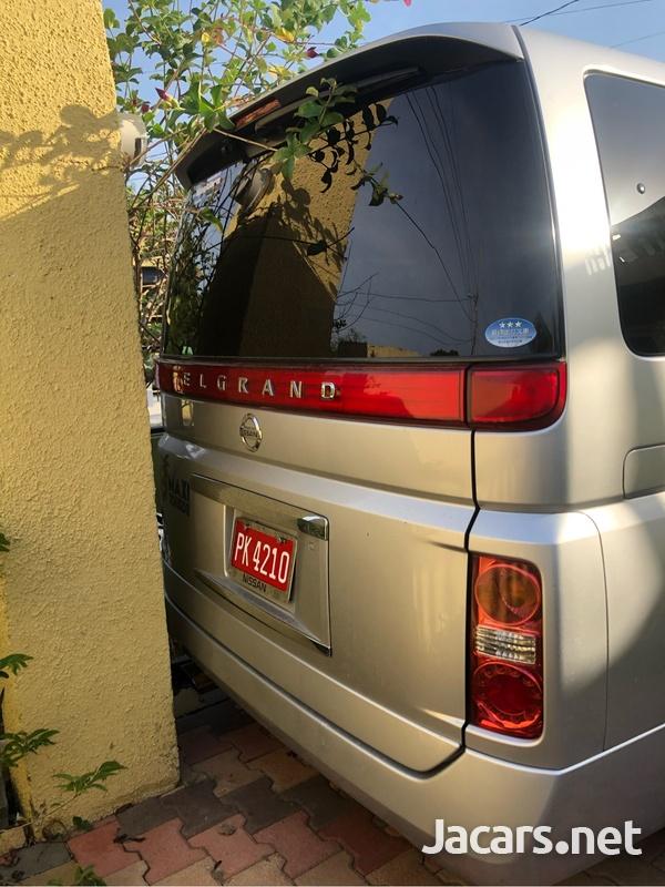 Nissan Elgrand 2,5L 2010-6