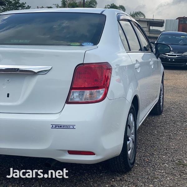 Toyota Axio 1,3L 2014-3