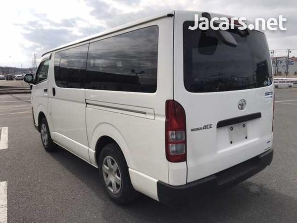 Toyota Regius Ace/Hiace-6