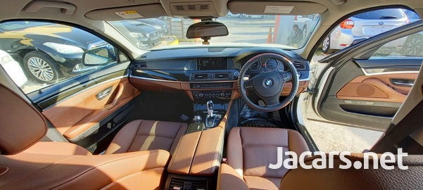 BMW 5-Series 2,5L 2012-7