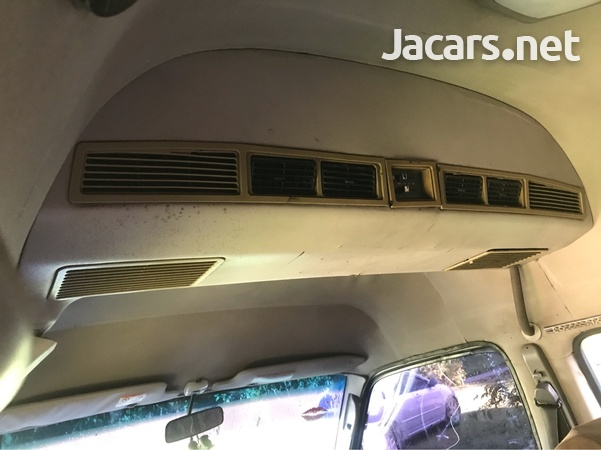 2001 Toyota Hiace Grand Cabin-5