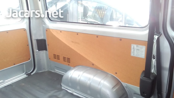 2016 Toyota Hiace Bus-8