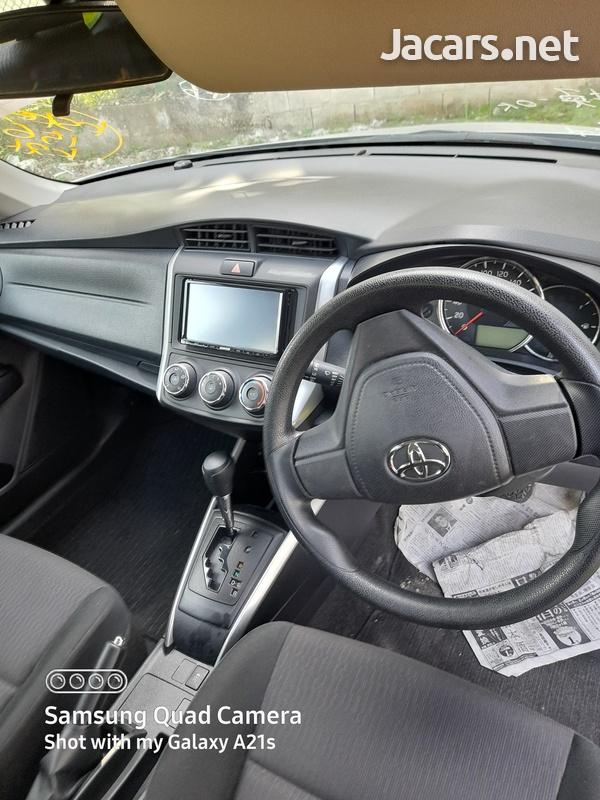 Toyota Fielder 1,5L 2016-9