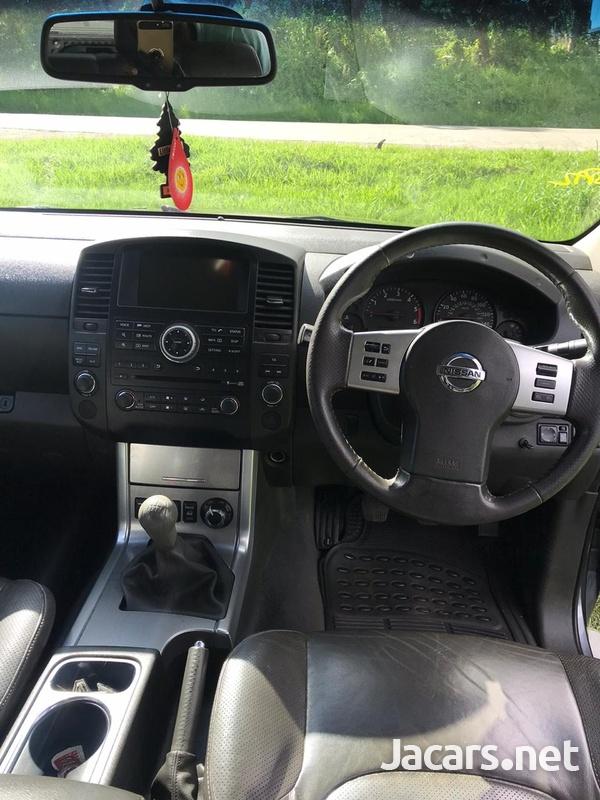 Nissan Navara 2,5L 2012-3