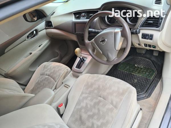 Nissan Sylphy 2,0L 2013-2