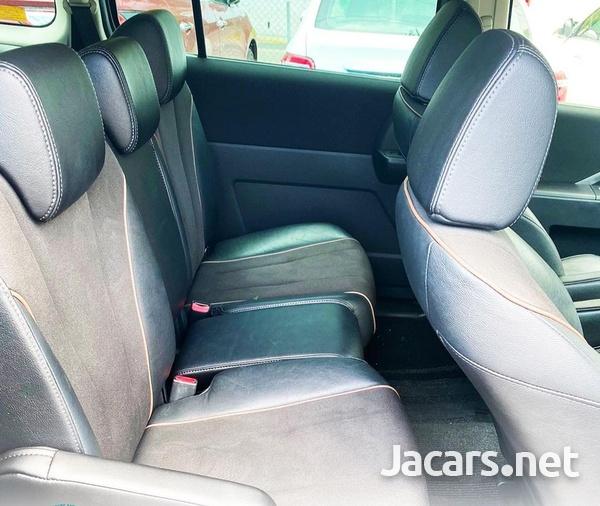 Mazda Premacy 1,9L 2012-6