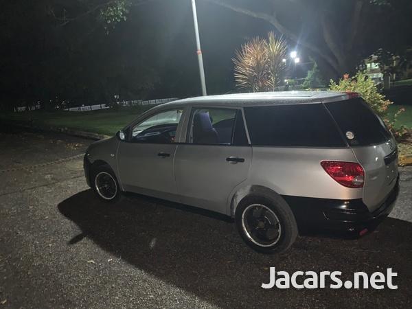 Mazda Familia 1,5L 2011-5