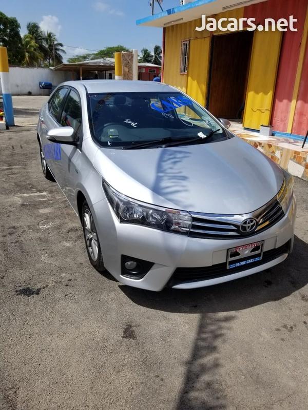 Toyota Corolla Altis 2,0L 2015-12
