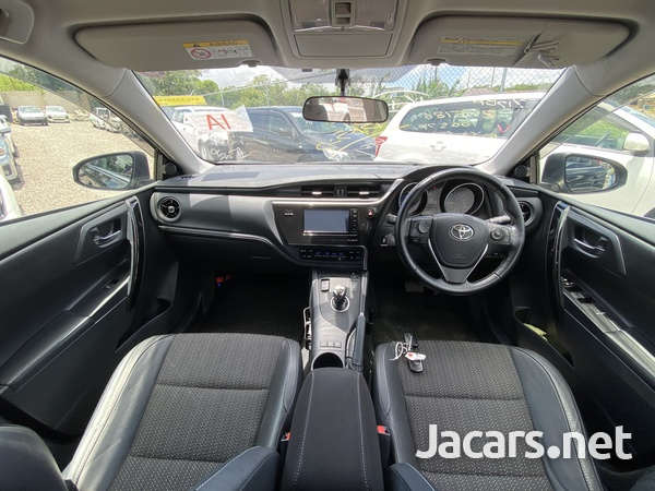 Toyota AURIS 1,8L 2016-15