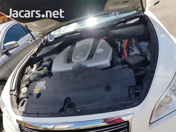 Nissan Fuga 3,5L 2013-12