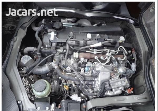 Toyota Hiace Van 3.0 2017-16