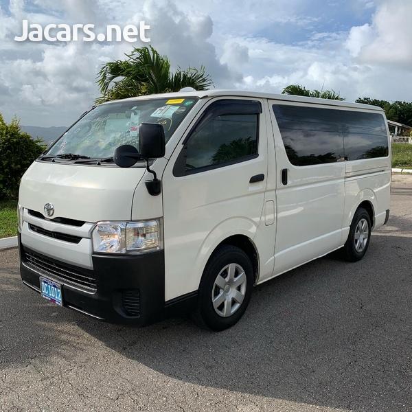 2016 Toyota Hiace Bus/ DIESEL-1