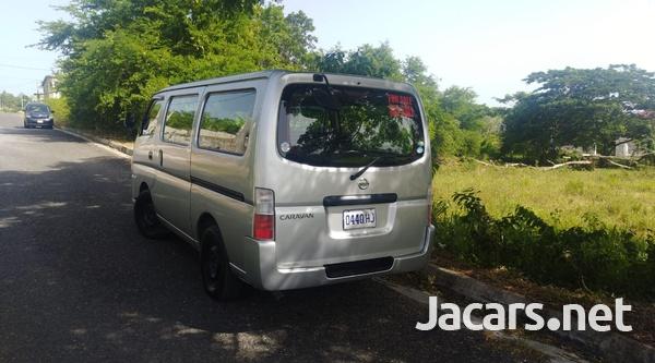 Nissan Caravan 3,6L 2011-8