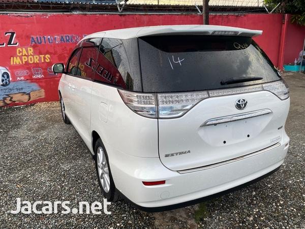 Toyota Estima 2,4L 2012-5