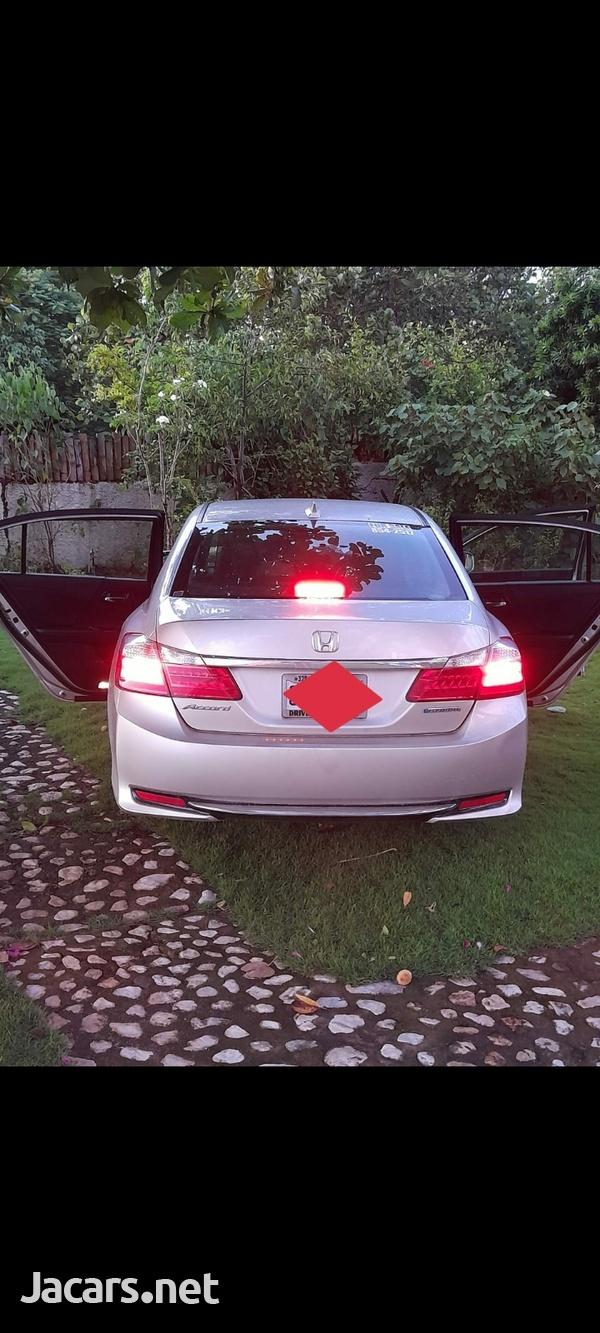 Honda Accord 2,4L 2013-4