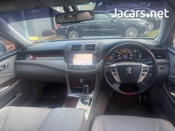 Toyota Crown 3,0L 2011-7