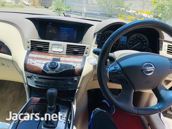 Nissan Fuga 3,7L 2014-4