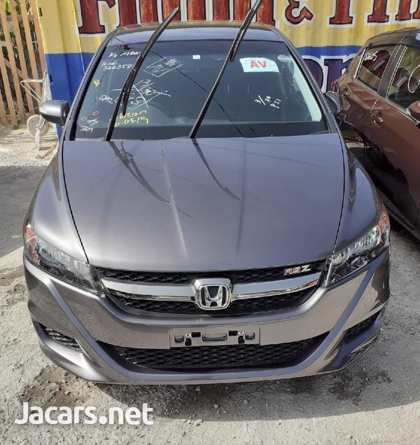 Honda Stream 1,5L 2014-1