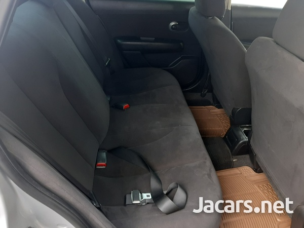 Nissan Tiida 1,5L 2011-7