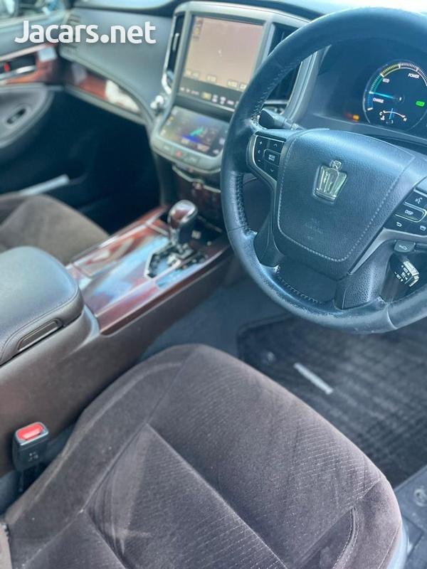 Toyota Crown 3,5L 2015-9