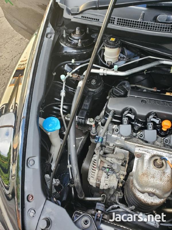 Honda Stream 1,7L 2011-6