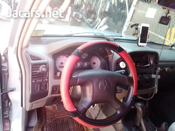 Mitsubishi Montero Sport 3,0L 2004-5