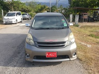 Toyota Isis 3,0L 2011