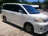 Toyota Voxy 2,0L 2006
